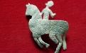 Cavaleiro de chumbo (século XII/XIII) após a intervenção de conservação